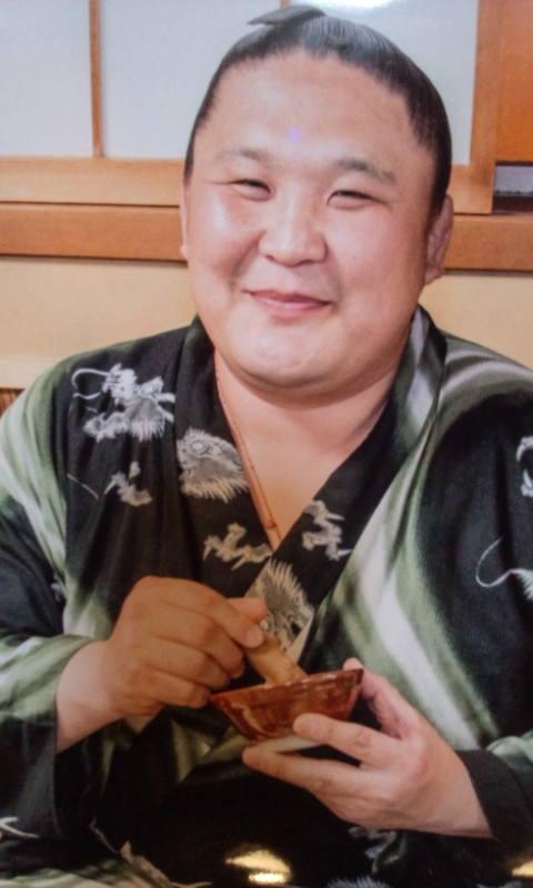 相撲料理・ちゃんこ鍋 大鷲 » Blog Archive » 朝赤龍